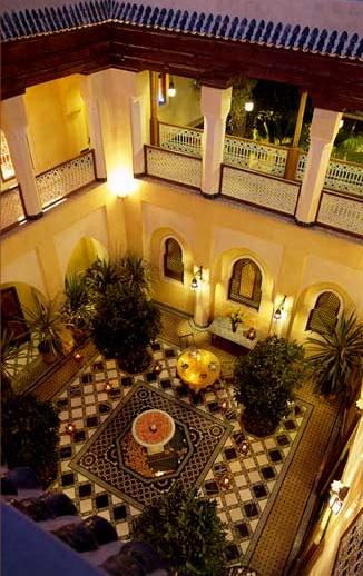 Al_Mossika_patio